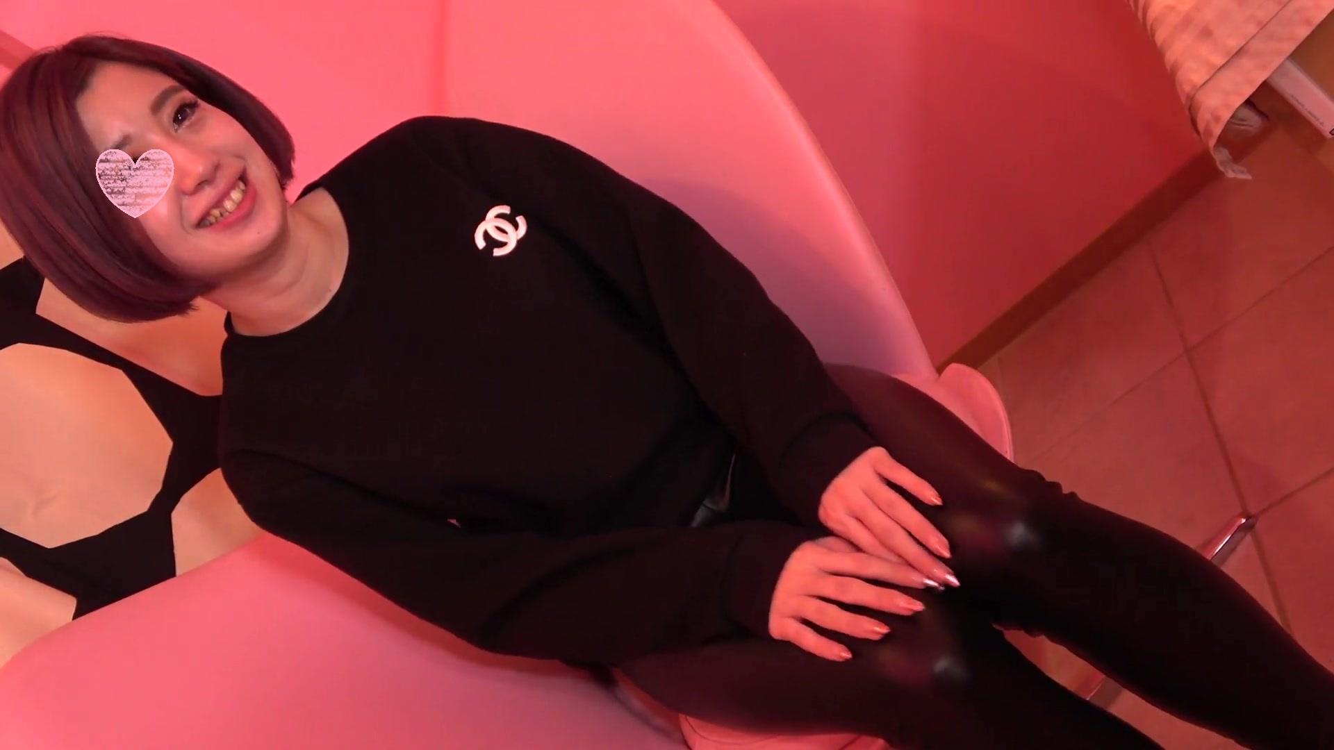 FC2 PPV 1063828 ☆初撮り☆完全顔出し♡ショートカットが似合う癒し系美女♪らんちゃんの。。。なんと人生初中出し!!【特典付き】