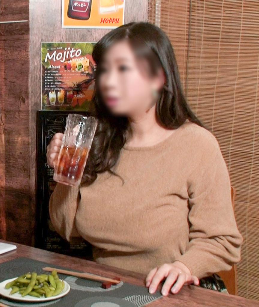 FC2 PPV 1167936 【個撮】【38歳 Lカップ 爆乳肉弾妻 に中出し】女の性欲を飛躍的に増大させる酒を出す相席系居酒屋 SEX依存禁断症状並【個人・隠し撮り】