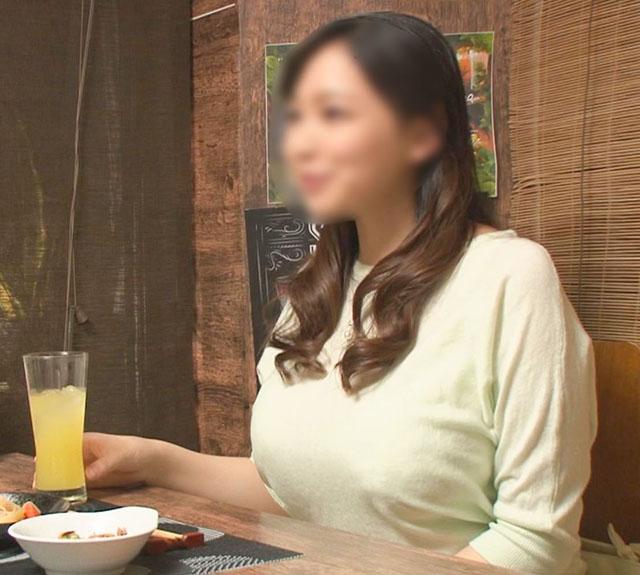 FC2 PPV 1204142 【個撮】【29歳 Hカップ 巨乳人妻 に中出し】女の性欲を飛躍的に増大させる酒を出す相席系居酒屋 SEX依存禁断症状並【個人・隠し撮り】