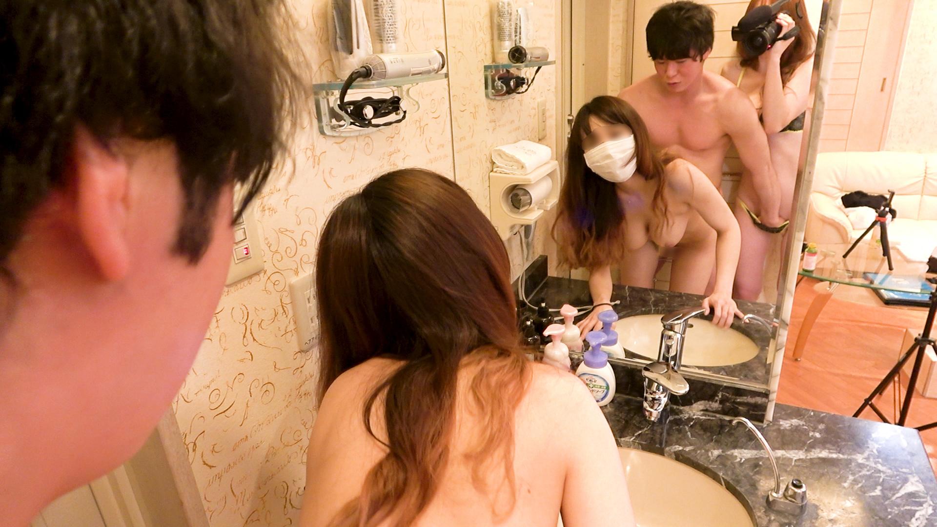 FC2 PPV 1293552 鏡の前で親友が犯されちているのを撮影しちゃいました♥️童貞みたいな男の人だったのにミナちゃんのFカップに大興奮で豹変してすごく。えろかった思い出♥️№33♥️