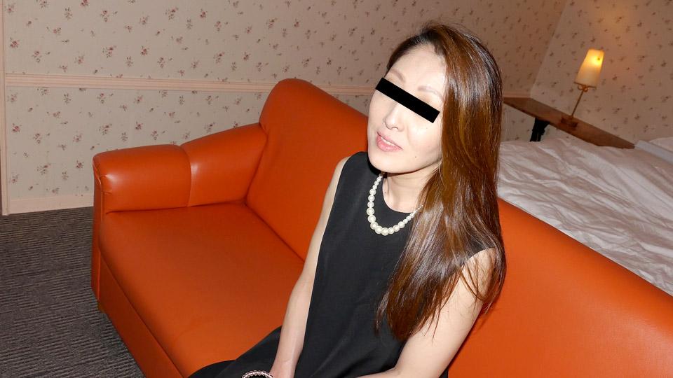 Pacopacomama 042618_255 Misa Eguchi 人妻自宅ハメ 〜純白の裸エプロンで悶える主婦を主観ハメ撮り〜