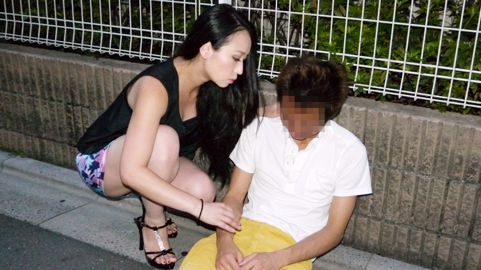 Pacopacomama 061620_317 Aya Shiina 肉食系熟女の餌食は泥酔男