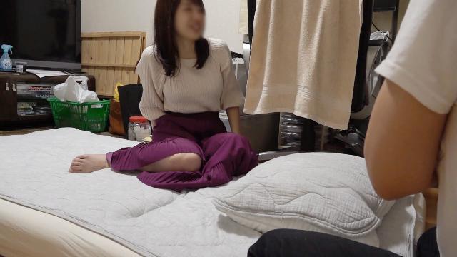 FC2 PPV 1586321 No34  清楚系美魔女を自宅に連れ込み隠し撮り。セックスレスの人妻はエロすぎてギャップがヤバすぎです。