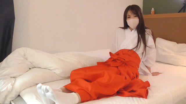 FC2 PPV 1648598 【本物素人】美沙ちゃんに巫女服を着せてみたら、清純さがアップしたけど、エロい腰使いは相変わらずでした